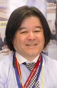 中野佳弘さんの顔写真